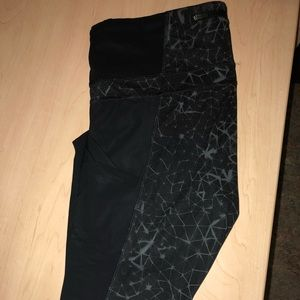 Lulu size 12 pants (7/8 length) mesh side